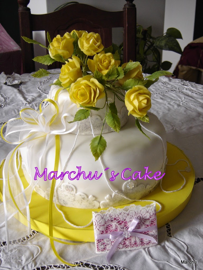 "Torta decorada Adultos ""Rosas amarillas"""