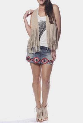 Colcci Verão 2014 Lookbook moda feminina Colete de franjas e saia jeans