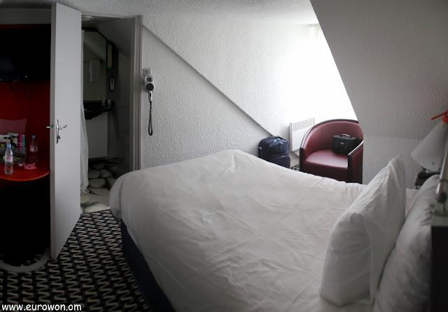 Habitación de hotel Ibis Styles en París