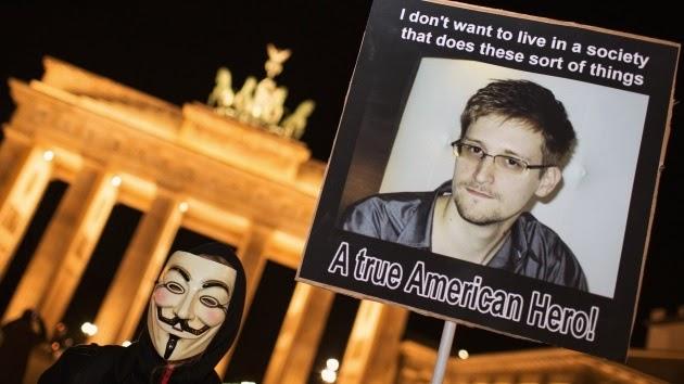 """ESPIONAJE / Snowden tiene su """"póliza de seguro"""" en una nube del cyberespacio contra EEUU e Inglater"""