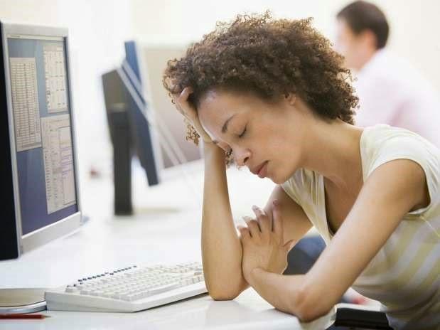 Mujer cansada por falta de hierro