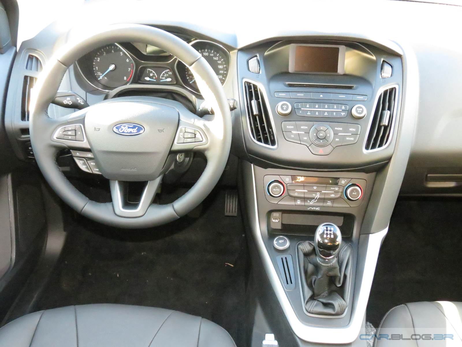 Ford Focus 1.6 MT - painel