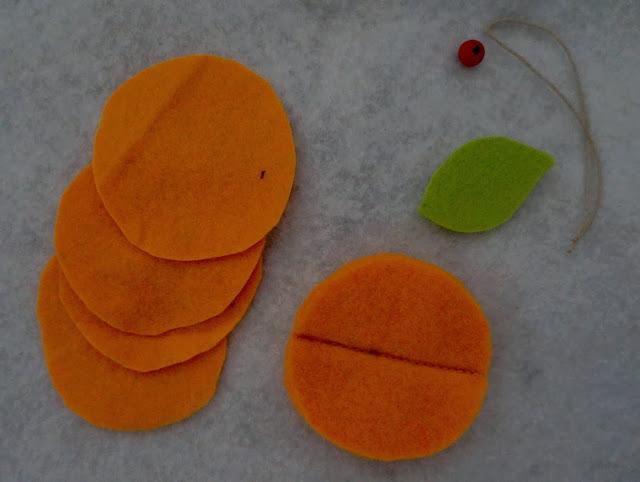 елочный шар мандарин