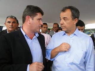 Prefeito Arlei se encontra com Governador do Rio, Sergio Cabral, na solenidade de entrega dos coletivos