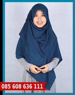 Hijab segi empat untuk kerja