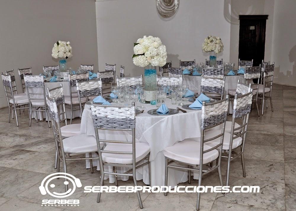 15 a os decoraci n 15 a os plateado azul casa de for Mesas y sillas para xv anos