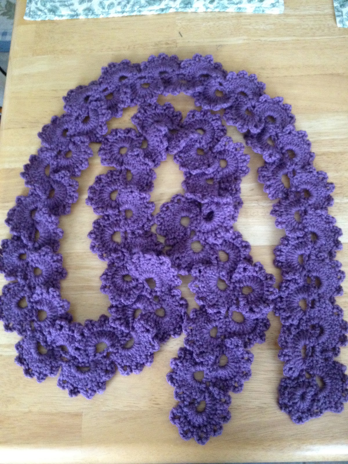 Crochet Queen : New to Me: Crochet Queen Annes Lace scarf...