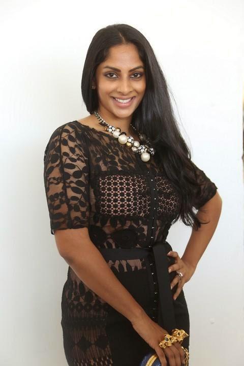 Sriya Reddy Latest Hot Photo Shoot