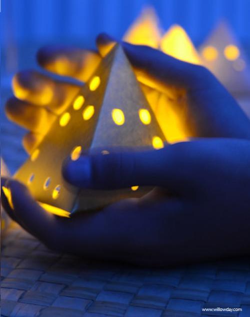 Aug16paper+lantern