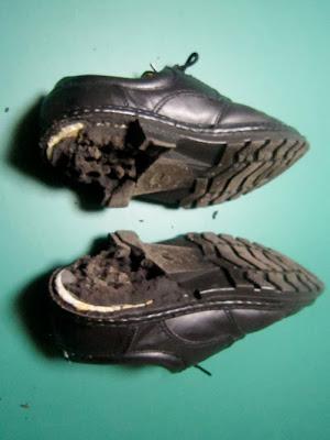 靴底が壊れた