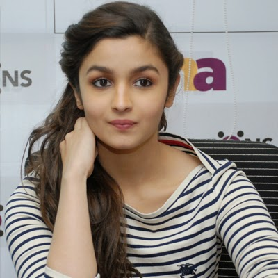 coogled actress alia bhatt pictures