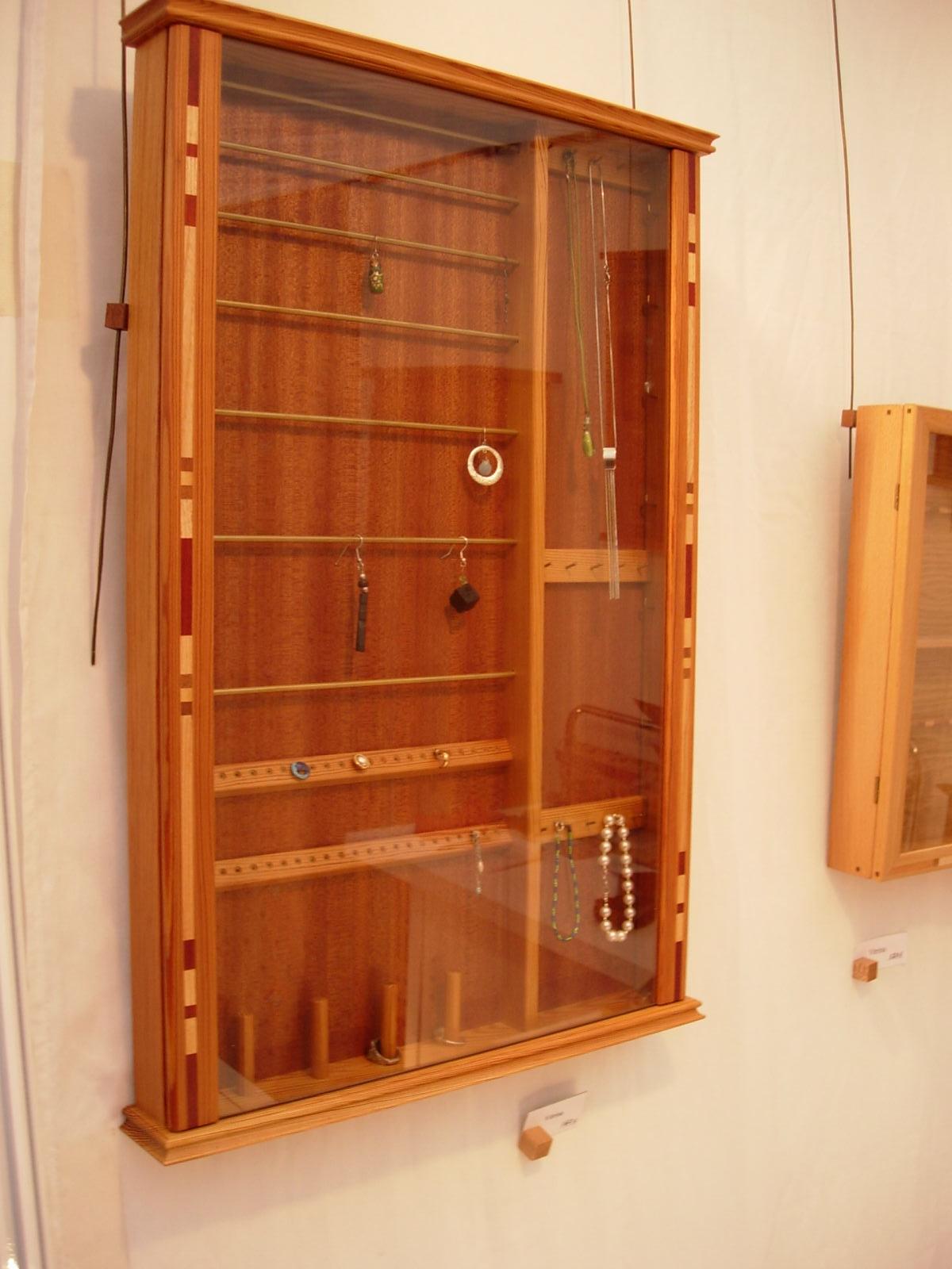Sjuan ebanister a en madera en bilbao muebles artesanales a medida vitrinas - Madera a medida ...