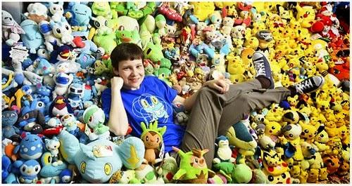 Lisa Courtney Gadis 26 Tahun Punyai 16 Ribu Koleksi Anak Patung Pokemon