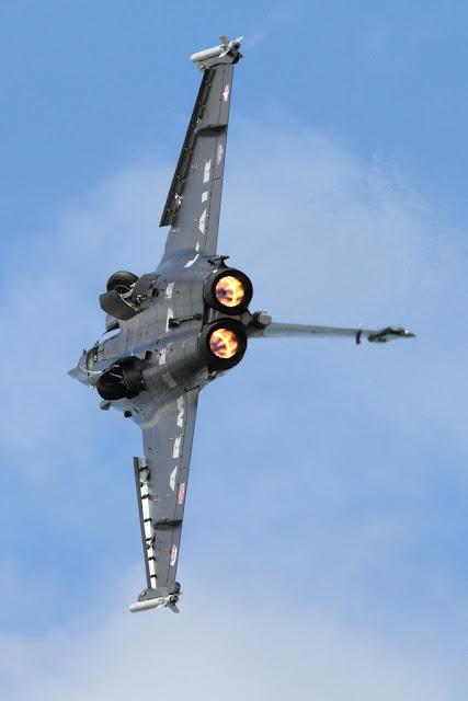 Dassault Rafale gears afterburner
