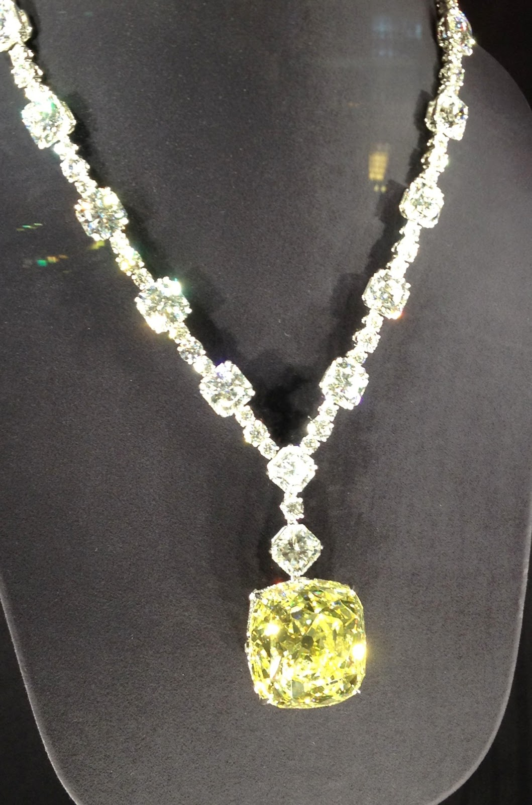 Bobochic miss b loves eing the tiffany diamond in dubai this is the legendary diamond which was set in tiffany designer jean schlumbergers ribbon rosette necklace and worn by audrey hepburn to promote the film aloadofball Gallery