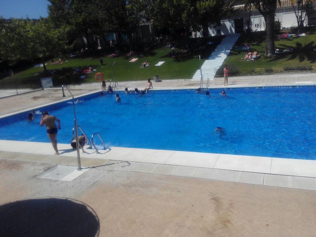 Onda menc a radio comienza la temporada deportiva del verano for Piscina municipal cordoba
