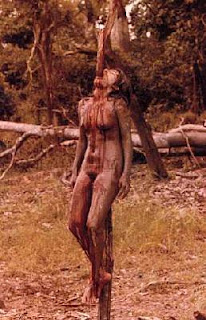 Cannibal Holocaust (1980) native impaled on stick
