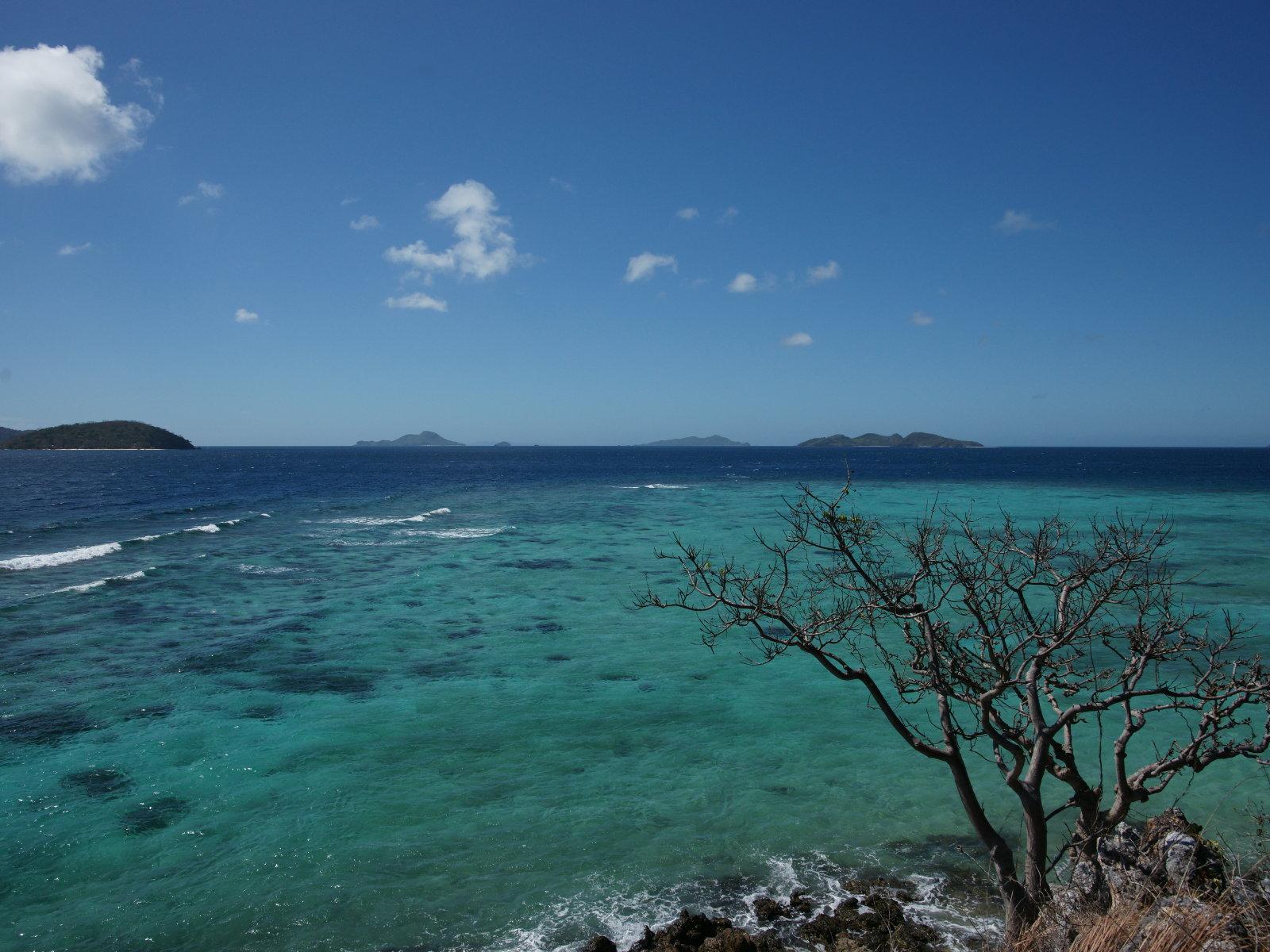 http://1.bp.blogspot.com/-A_T1ylRvRXQ/ThMrwPafQwI/AAAAAAAAAF8/1tGD2us01wY/s1600/blue_ocean_scenery-dsc00038-wp.jpg