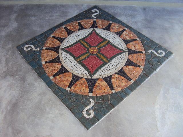Arte mosaicos pisos e paredes for Mosaico para piso