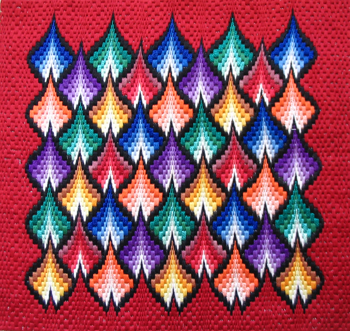 Изучаем технику флорентийской вышивки 7