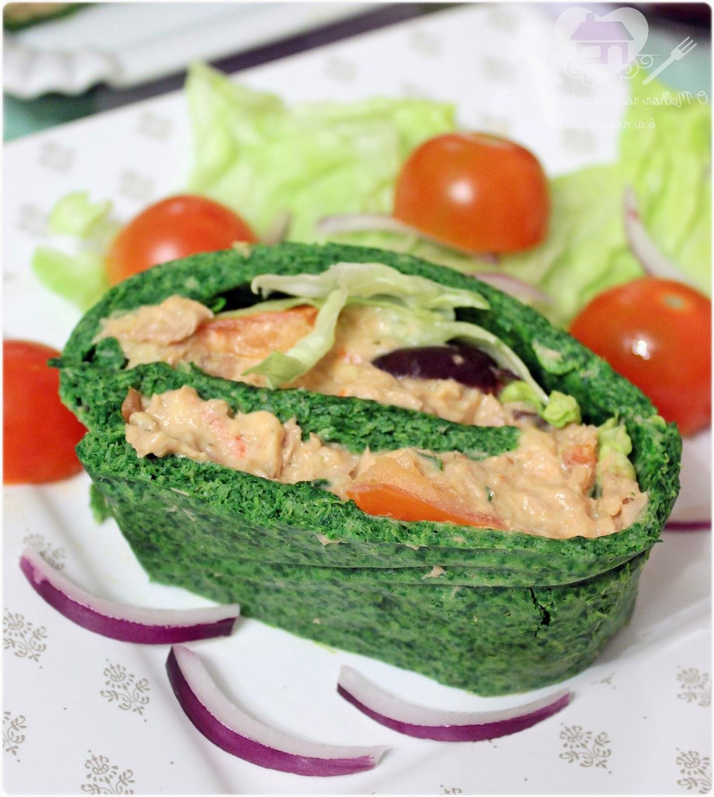 rocambole de liquidificador de espinafre com Recheio de atum e Salada