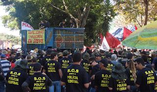 Governo adia reunião com policiais federais sobre greve por 36 horas
