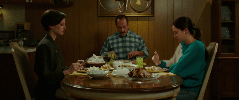 white bird in a blizzard-eva green-christopher meloni-shailene woodley