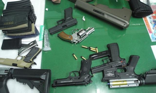 Quảng Ngãi Gần 20 khẩu súng bị phát hiện trong xe khách