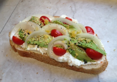 Avocado Sandwich With Lemon-Ricotta recipe
