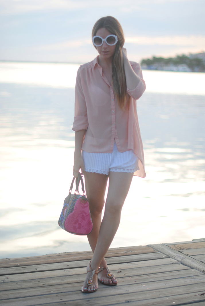 Shopping day in Cancun at fashion blog by Mónica Sors. Sunset photos