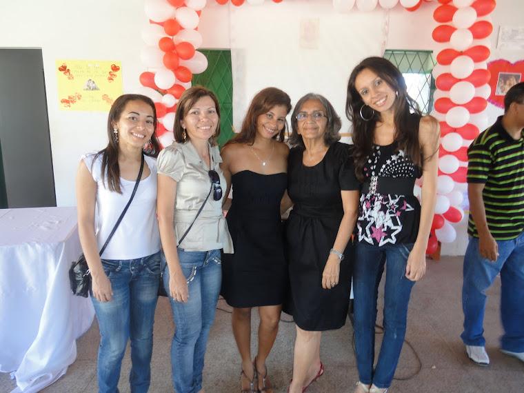 As professoras Hilton Leite,Dayane,Slivia, Cristiane,Socorro e Cristiane Silva