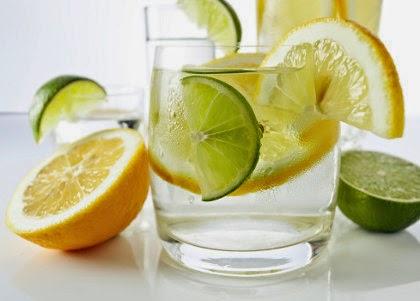 Air Lemon Hangat Bisa Bantu Langsingkan Tubuh, Mitos atau Fakta?