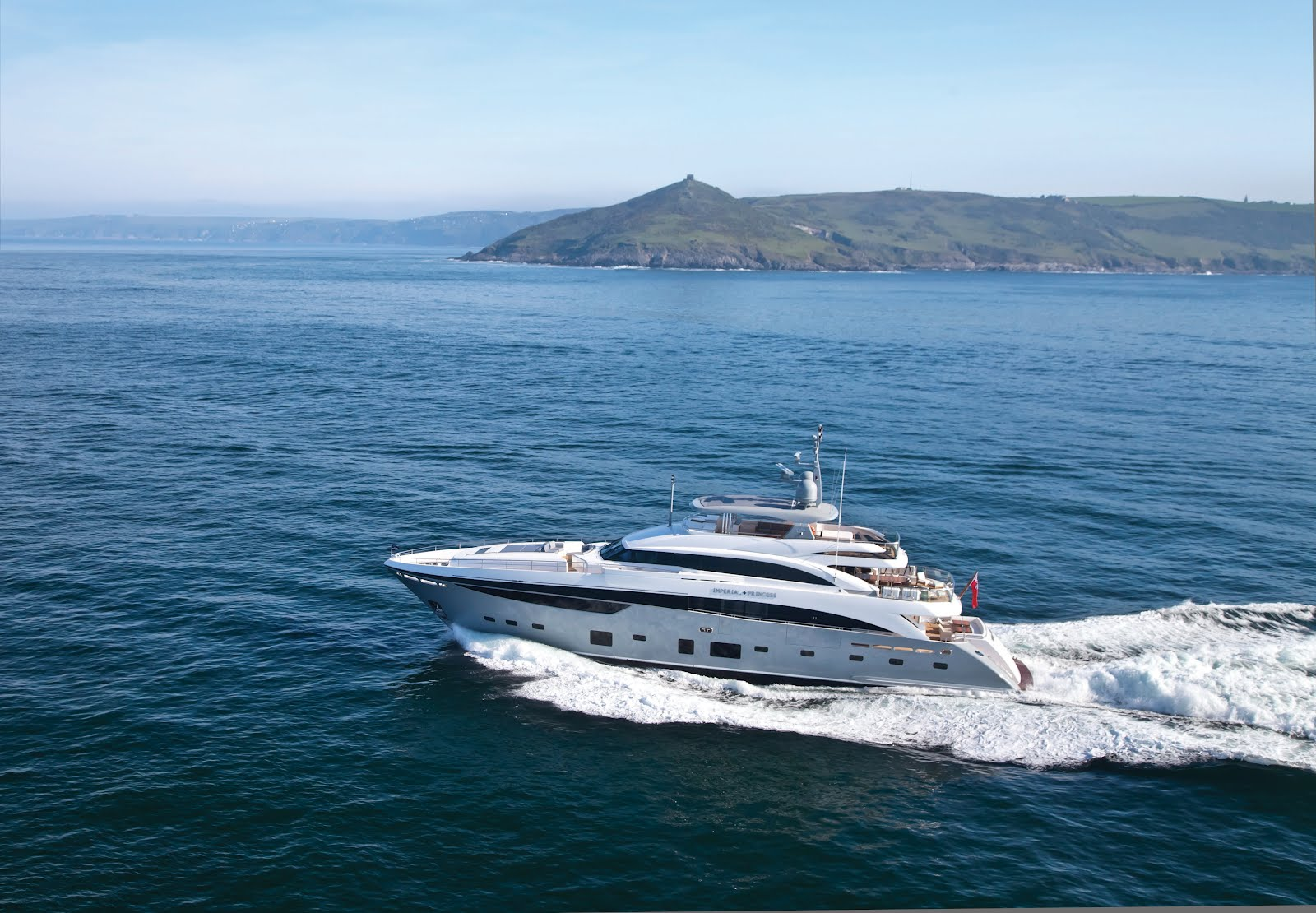 Me acht Global Princess Yachts 40m Takes Maiden Voyage