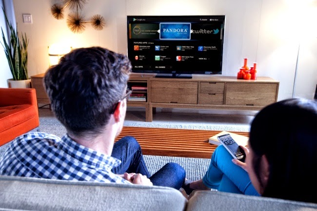 Un televisor que espia las conversaciones de los televidentes