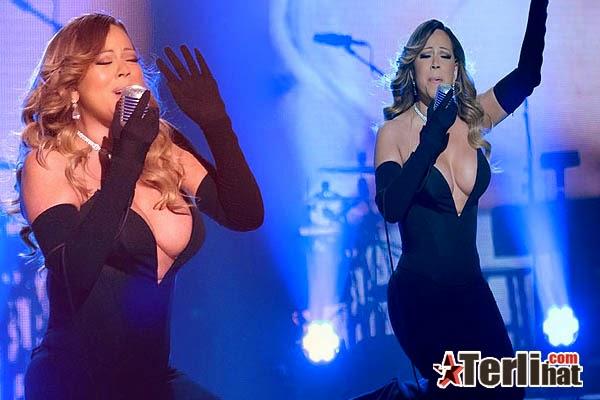 Foto Aksi Panggung Mariah Carey Kelihatan Payudara