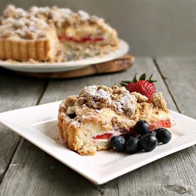Hungry Couple: Berry Cheesecake Crumb Tart