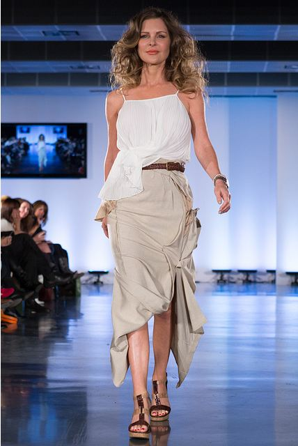 Ed Ng photography, Kim Cathers, project runway canada contestant, 68lbs, Eco Fashion Week Vancouver, EFW 2012, EFW day, Fashion show, event, vancouver, recycle fashion, upcycle fashion, amazing restyled vintage pieces