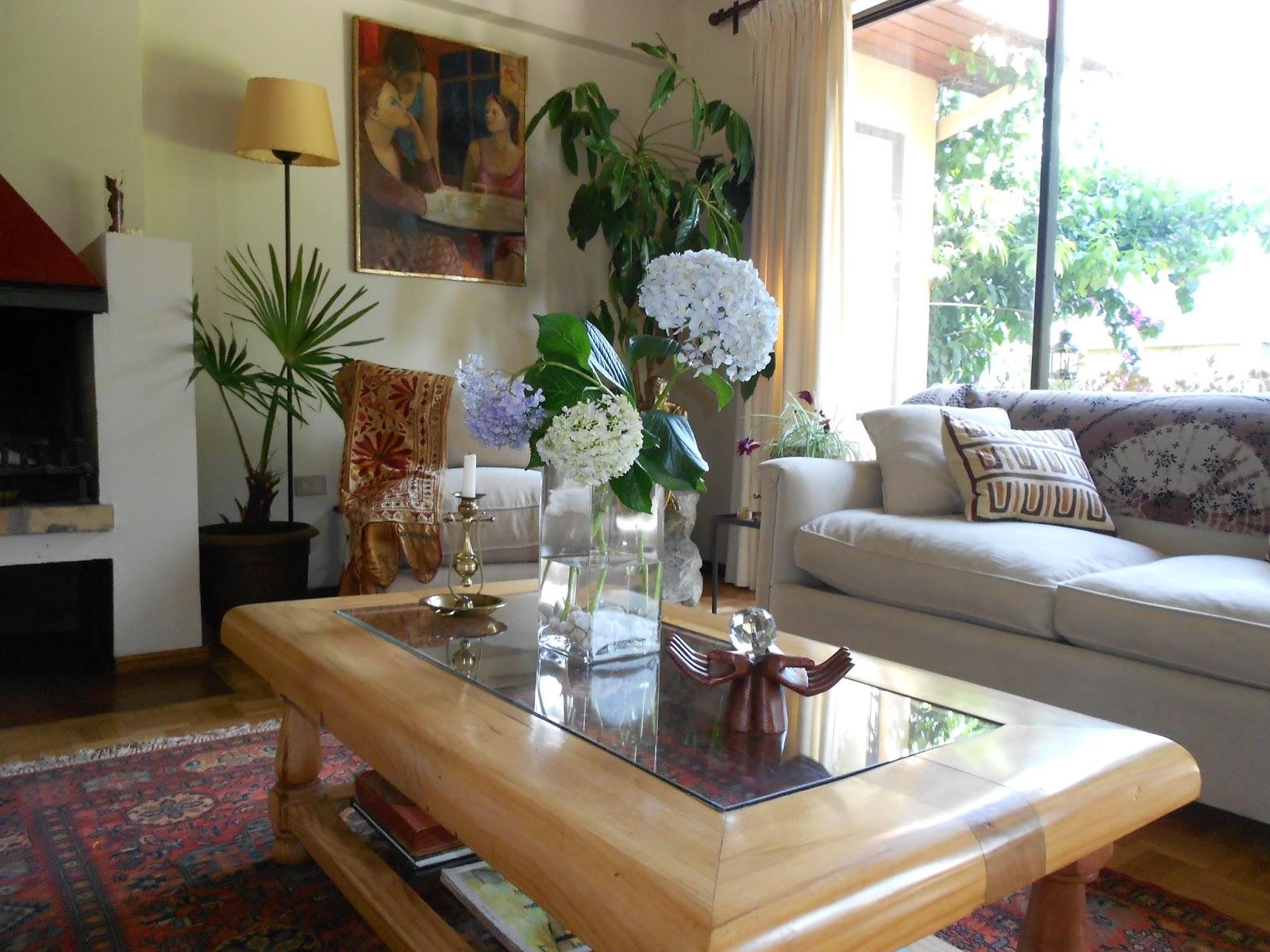 Calas decoraci n salon con plantas - Mesas de centro que se elevan ...