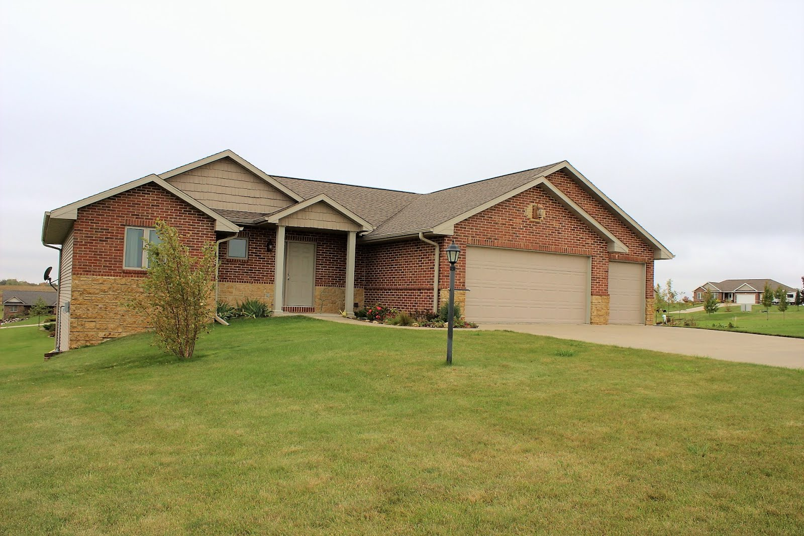 10497 Black Walnut Court, Peosta, IA 52068