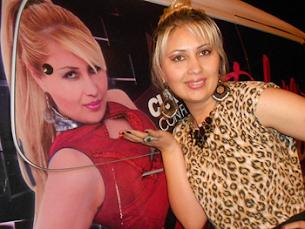 Vocalista Débora Vieira