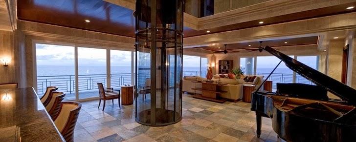 Living room in Impressive Waterfall House in Hawaii