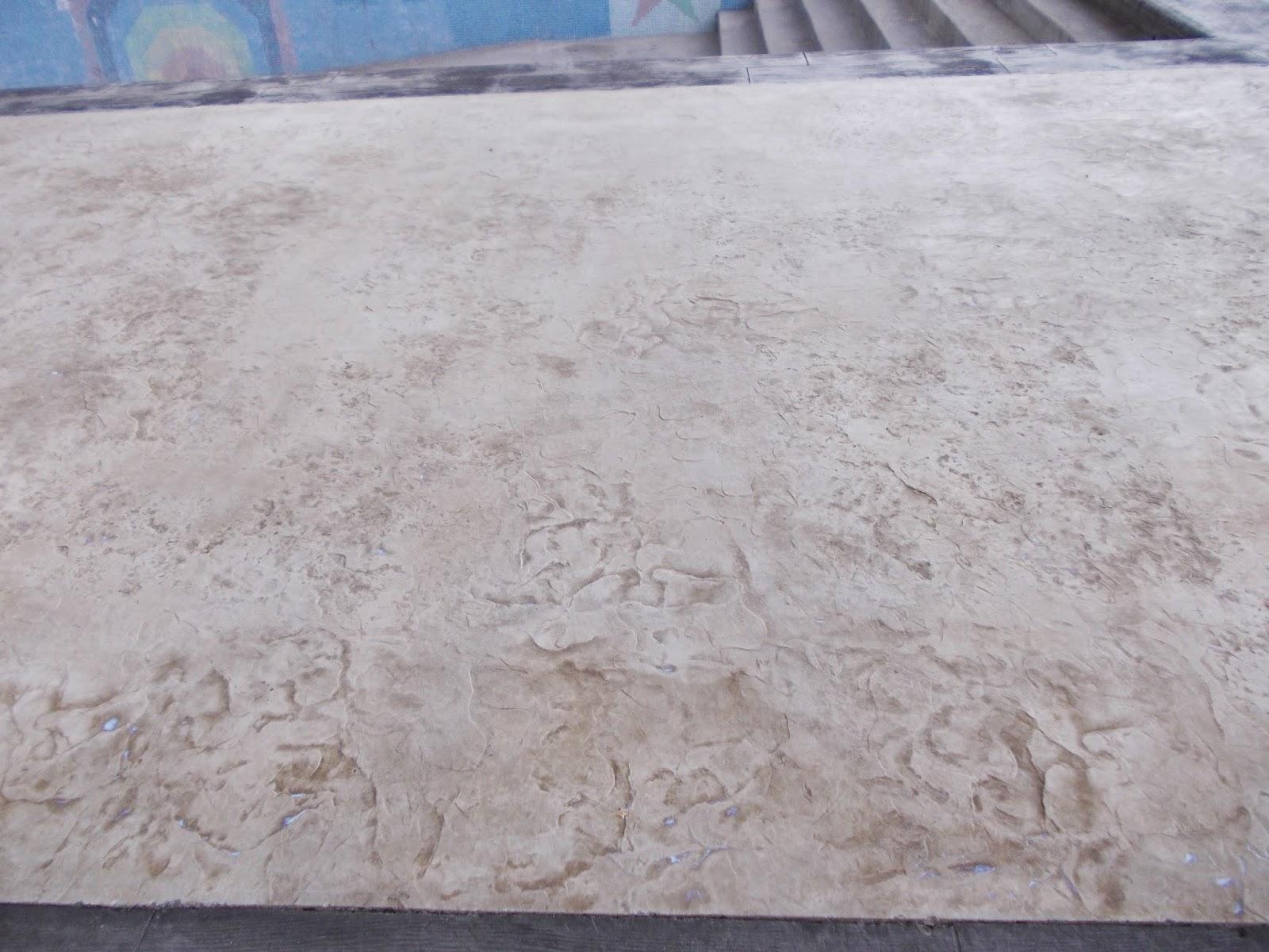 Pavimentos continuos de hormig n hormig n impreso piedra - Piscina de hormigon ...