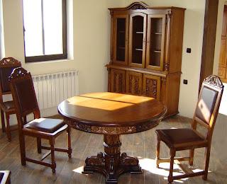 дървени мебели от масив