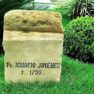 Lápide do padre jesuíta Ignacio Jiménez, morto em 1735, em São Borja.