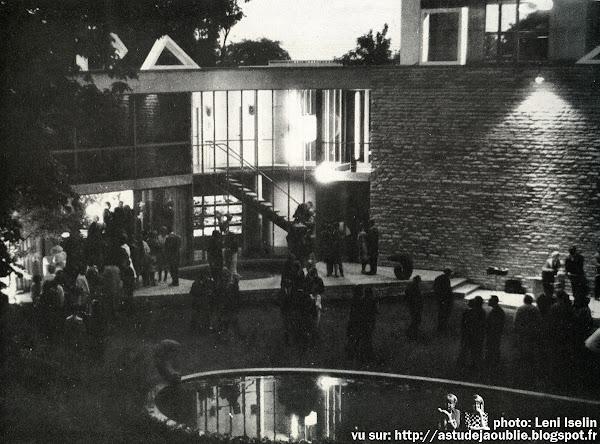 Fête à Meudon - Aujourd'hui, Art et Architecture - Septembre 1962  Garden-party chez M. et Mme Bloc, 3 Juillet 1962