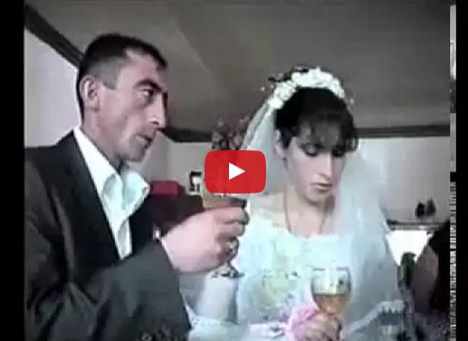 Los Novios se enredan con el champán