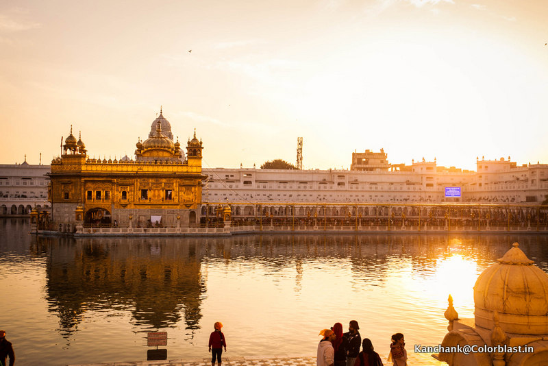 how big is the golden temple