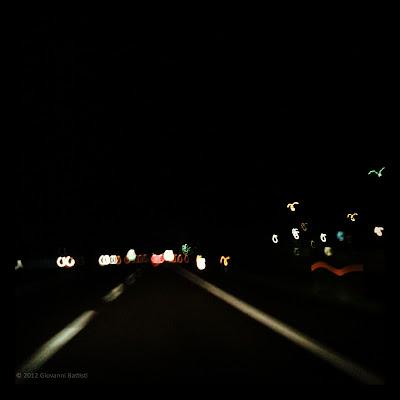 Fotografia di strada di notte