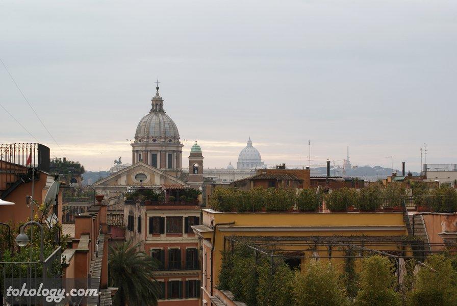 терраса на площади Испании в Риме (Piazza di Spagna in Rome)