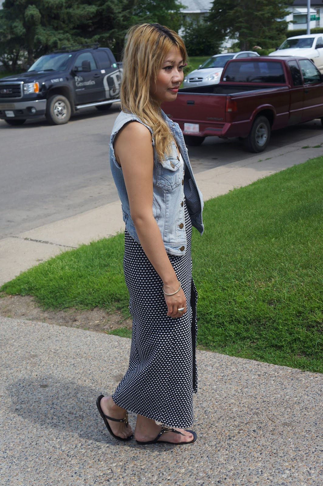 Featuring the Reconstructed Maxi